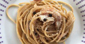 un piatto di spaghetti alla gricia
