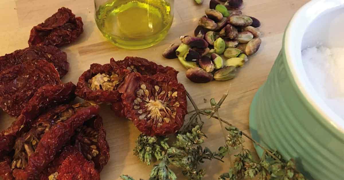 ingredienti-pasta-e-pomodori-secchi