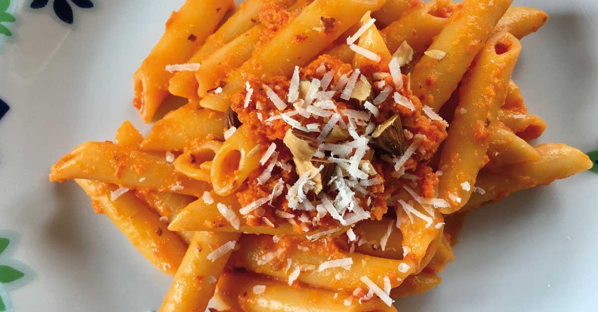pasta-con-peperoni-e-pomodoro-secco