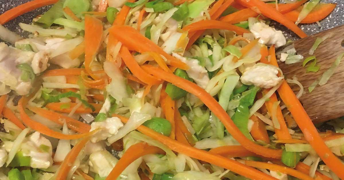 spaghetti di soia con verdure preparazione