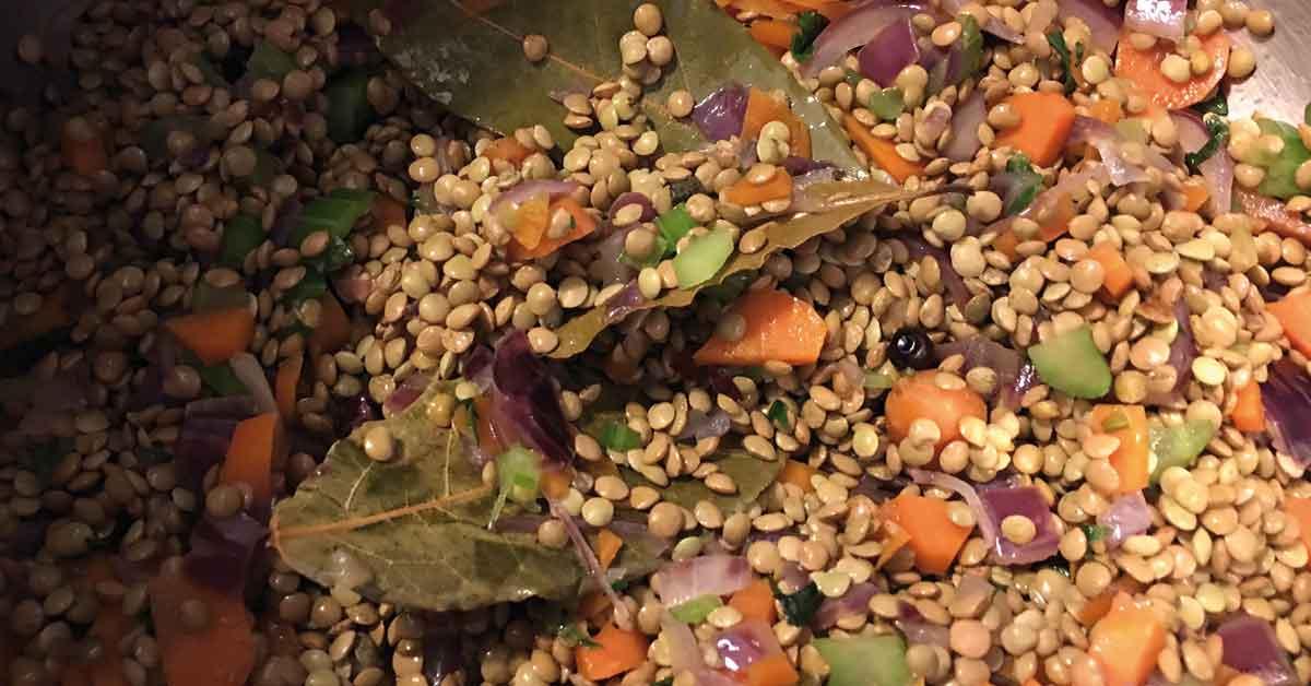 zuppa-di-lenticchie-con-sedano-carota-e-cipolla