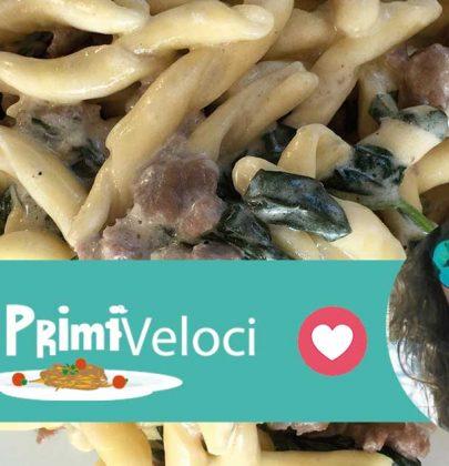 Strozzapreti con salsiccia, spinaci e panna: la ricetta di Ilenia Santoddì