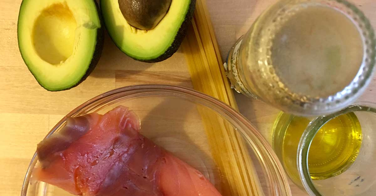 ingredienti salmone e avocado