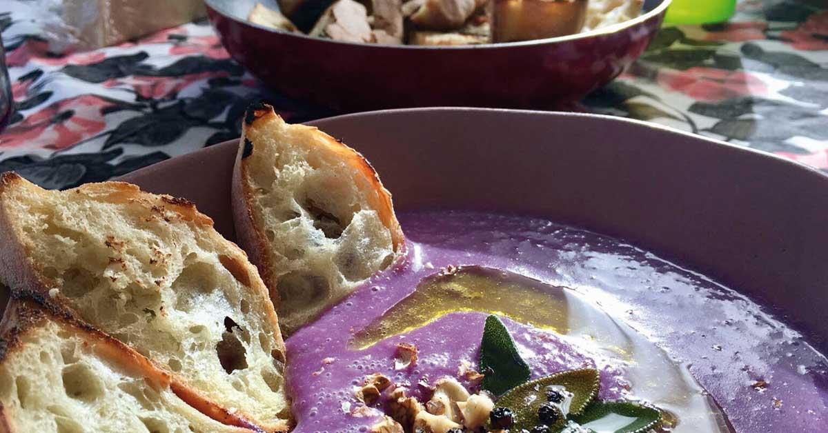 vellutata di cavolo e crostini di pane