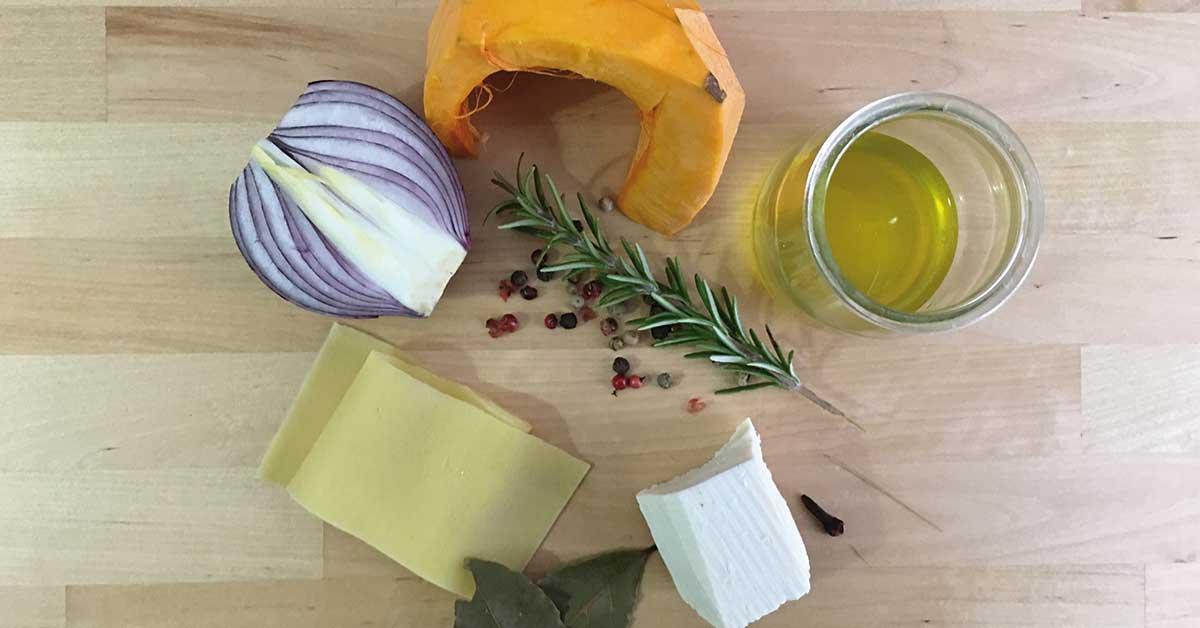ingredienti per le lasagne con zucca e cipolla