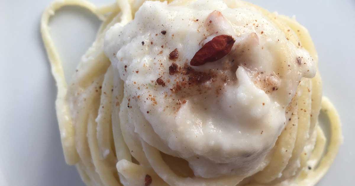 pasta con crema di cavolfiore e cocco