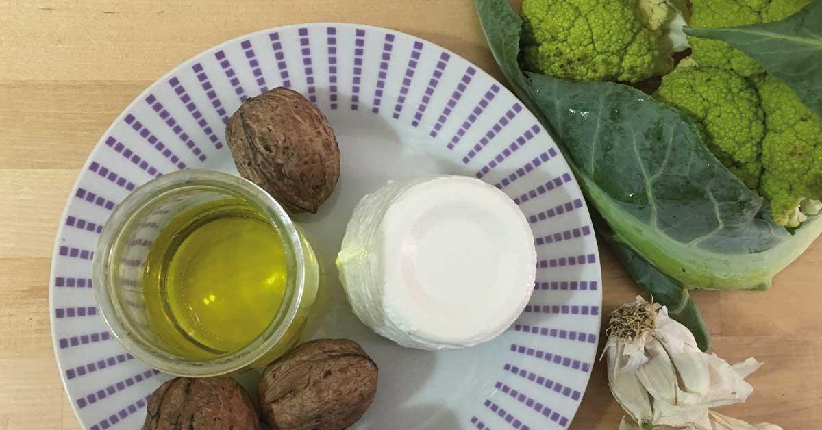 ingredienti-pasta-con-cavolfiore-e-ricotta