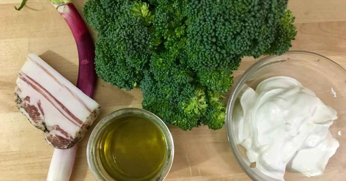 broccoli, pancetta, panna, cipolla e olio