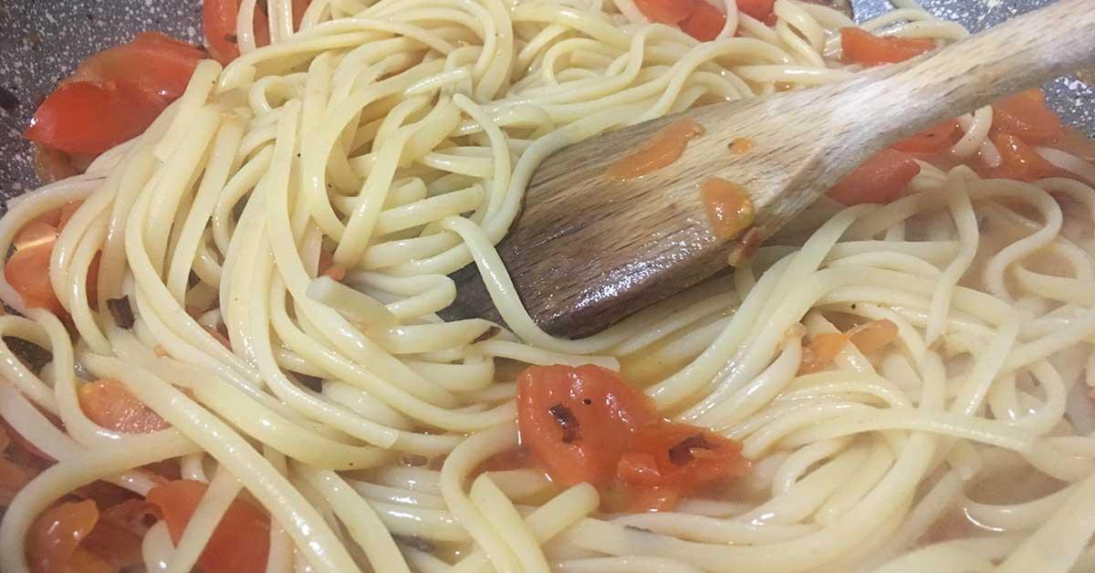 linguine e pomodorini in padella