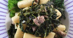 rigatoni con verza e salsiccia