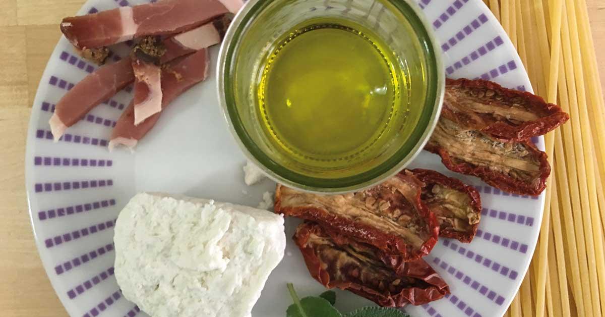 ingredienti-pesto-di-pomodori-secchi