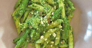 pasta-con-curcuma-broccoli-e-mandorle