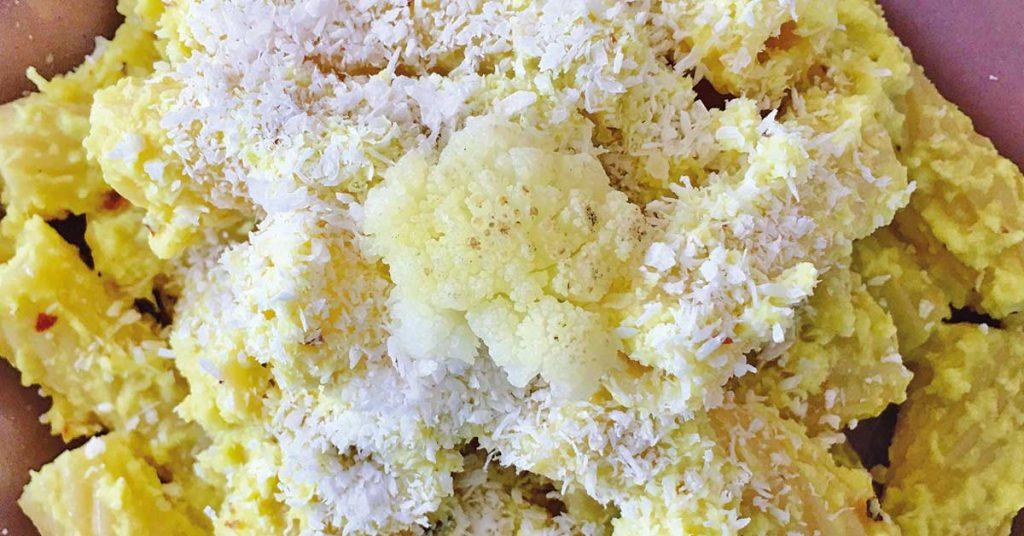 tortiglioni-con-crema-di-cavolfiore-bianco-e-curcuma