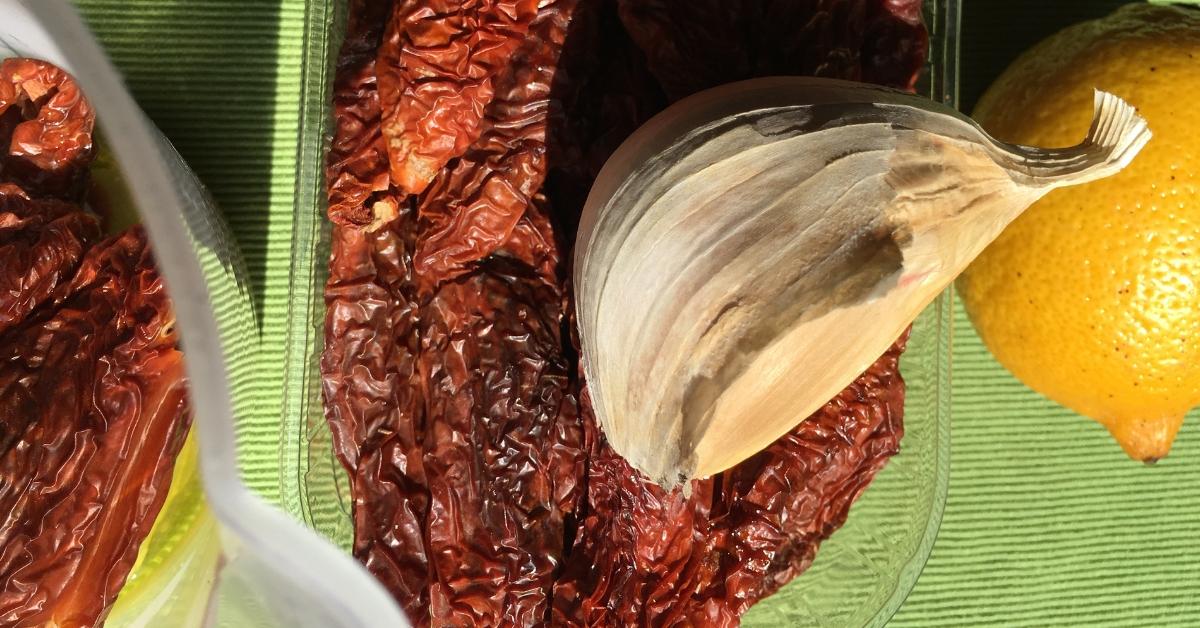 pomodoro secco pecorino olio e aglione